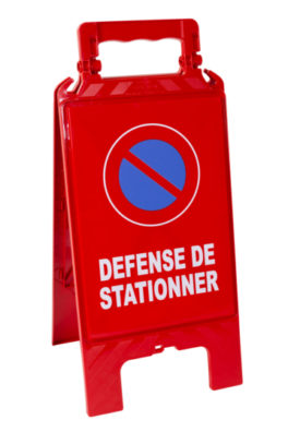Chevalet-modulable-rouge-Plaque rouge-defense stationner-recto-hd-mini